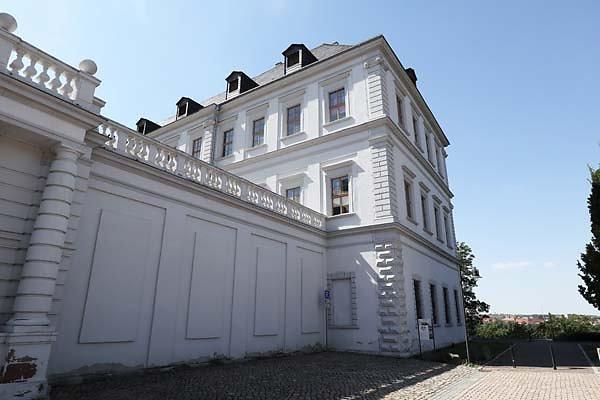 Schloss-Neu-Augustusburg-2.jpg