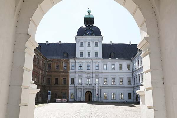 Schloss-Neu-Augustusburg-4.jpg