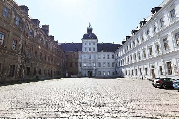 Schloss-Neu-Augustusburg-5.jpg