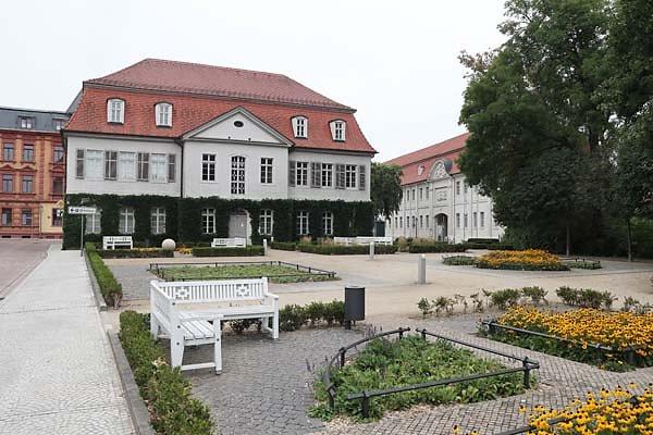 Schloss-Koethen-1.jpg