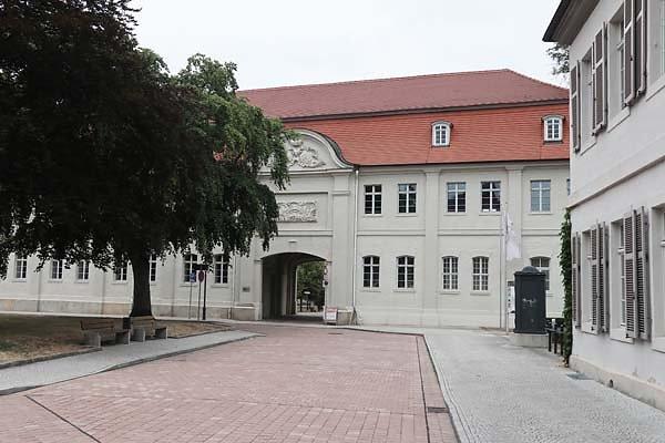 Schloss-Koethen-2.jpg