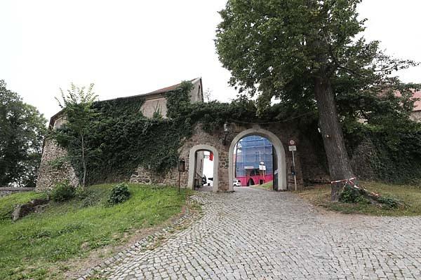 Burg-Schoenfels-1.jpg