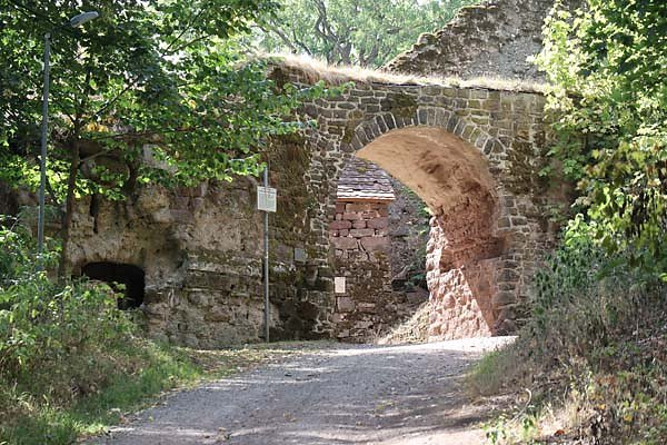Burgruine-Hohnstein-1.jpg