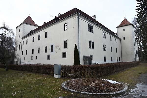 Schloss-Gmuend-3.jpg