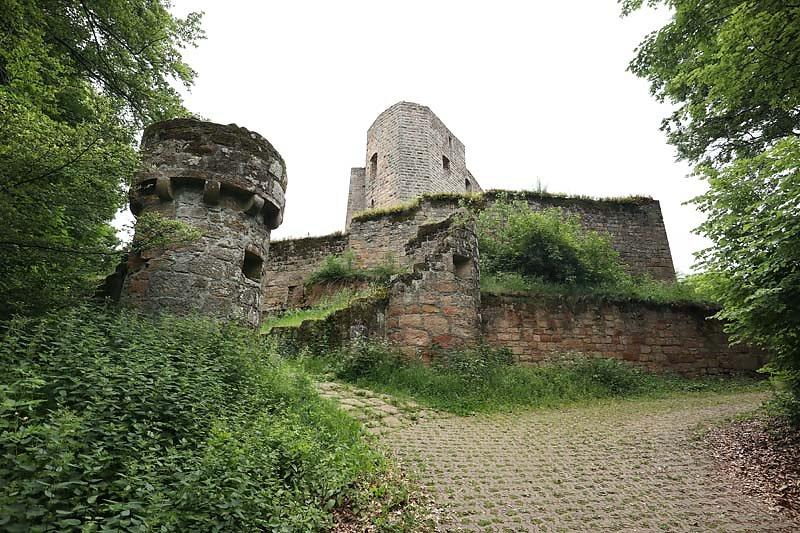 Burgruine-Graefenstein-1.jpg