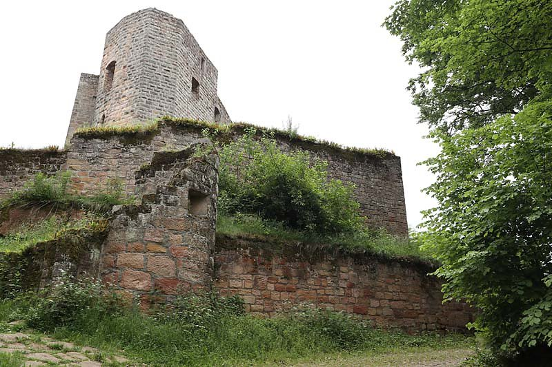 Burgruine-Graefenstein-3.jpg
