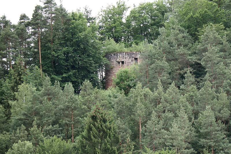 Ruine-Klein-Frankreich-1.jpg