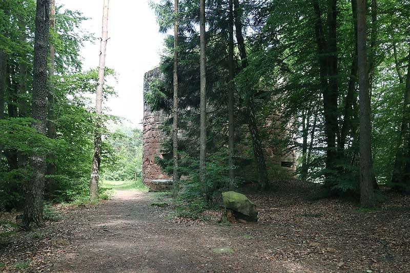Ruine-Klein-Frankreich-2.jpg