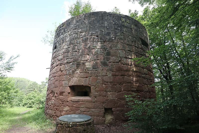 Ruine-Klein-Frankreich-3.jpg