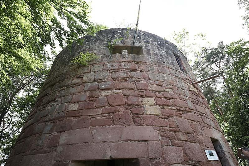 Ruine-Klein-Frankreich-5.jpg