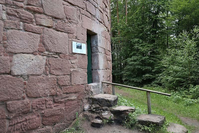 Ruine-Klein-Frankreich-8.jpg