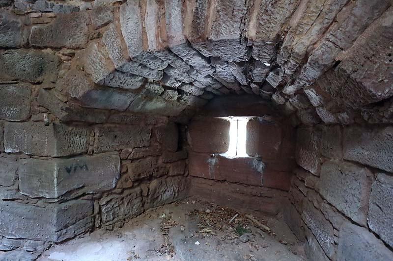 Ruine-Klein-Frankreich-10.jpg