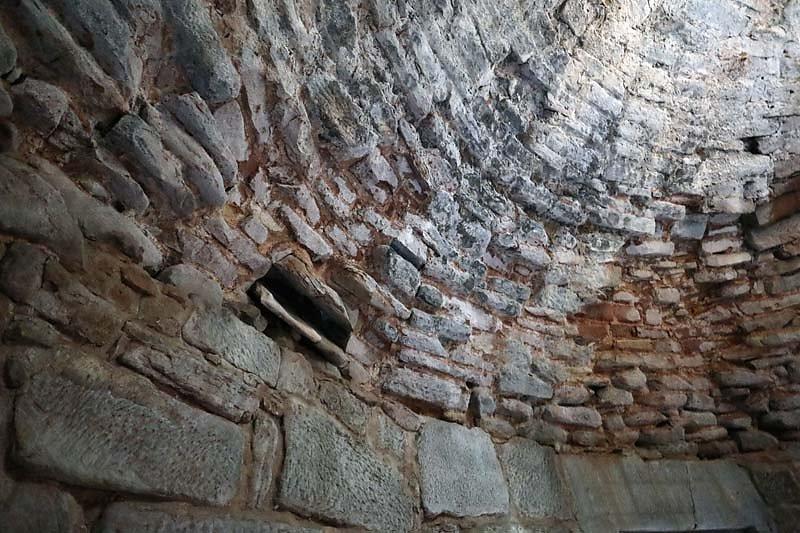 Ruine-Klein-Frankreich-12.jpg