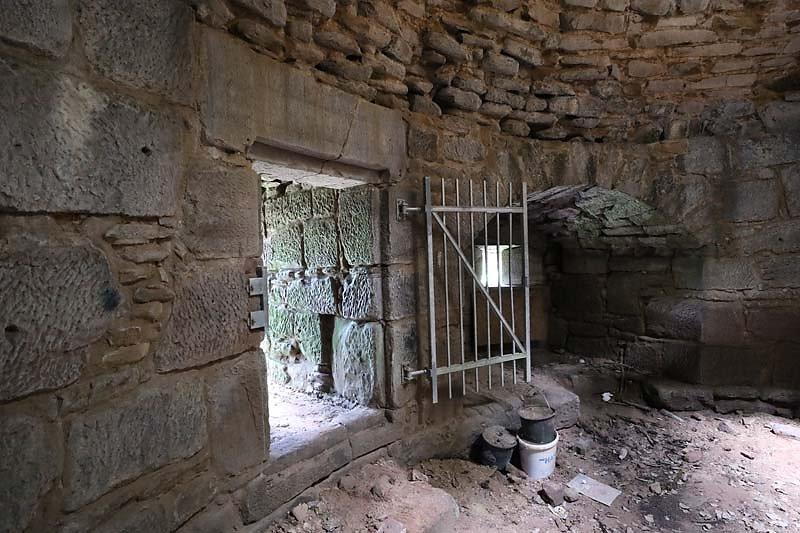 Ruine-Klein-Frankreich-13.jpg
