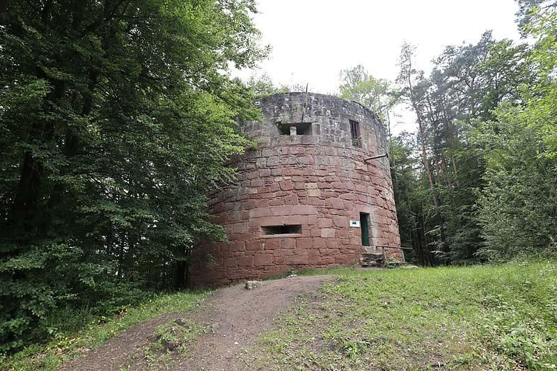 Ruine-Klein-Frankreich-14.jpg