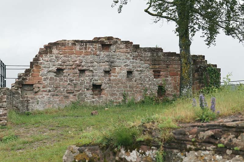 Burgruine-Lindelbrunn-16.jpg