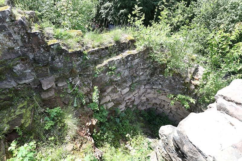 Burgruine-Wegelnburg-19.jpg