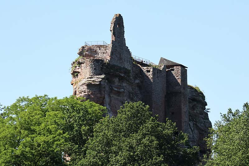 Burgruine-Fleckenstein-2.jpg