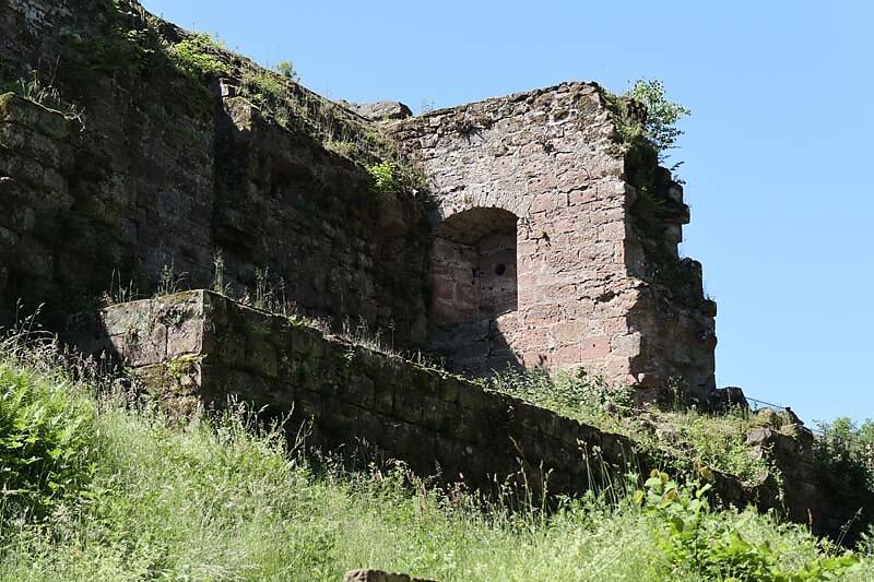 Burgruine-Fleckenstein-3.jpg