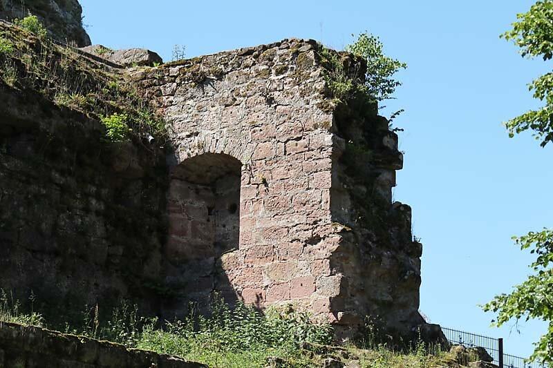 Burgruine-Fleckenstein-13.jpg
