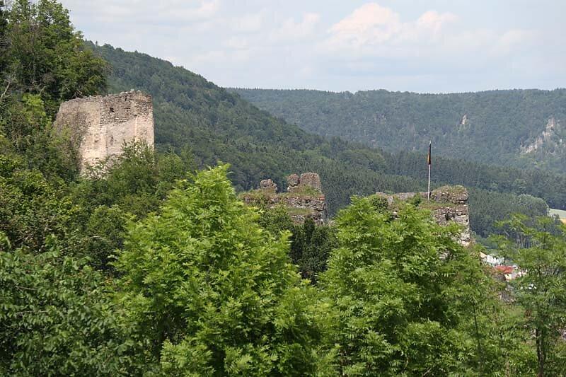 Burgruine-Tachenstein-1.jpg