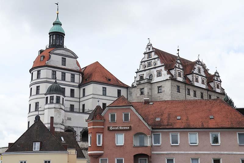 Schloss-Neuburg-3.jpg