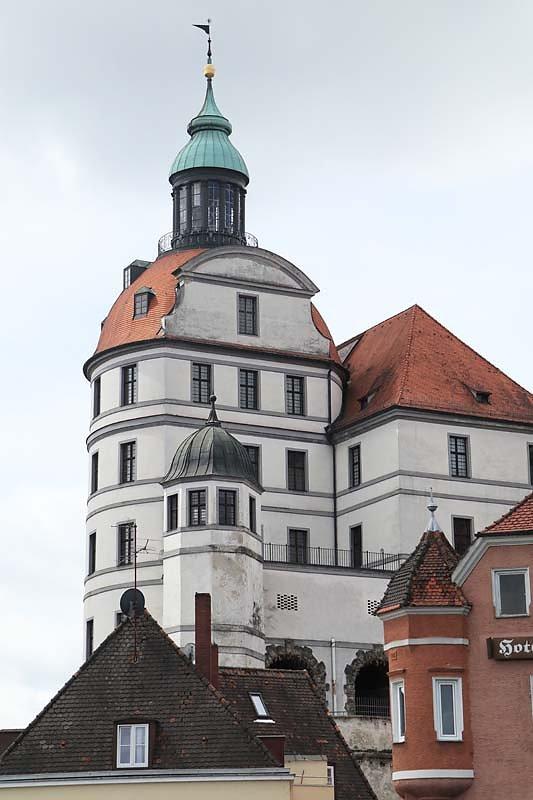 Schloss-Neuburg-4.jpg
