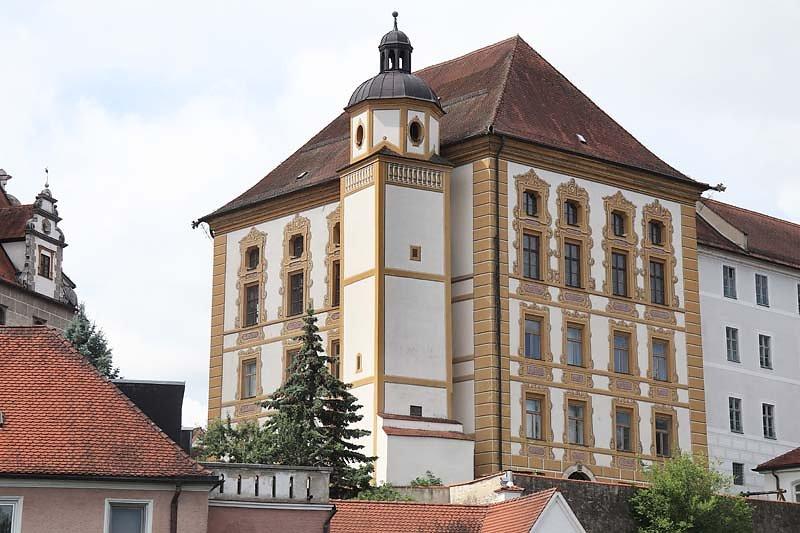 Schloss-Neuburg-6.jpg