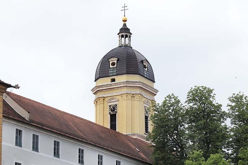 Schloss-Neuburg-8.jpg