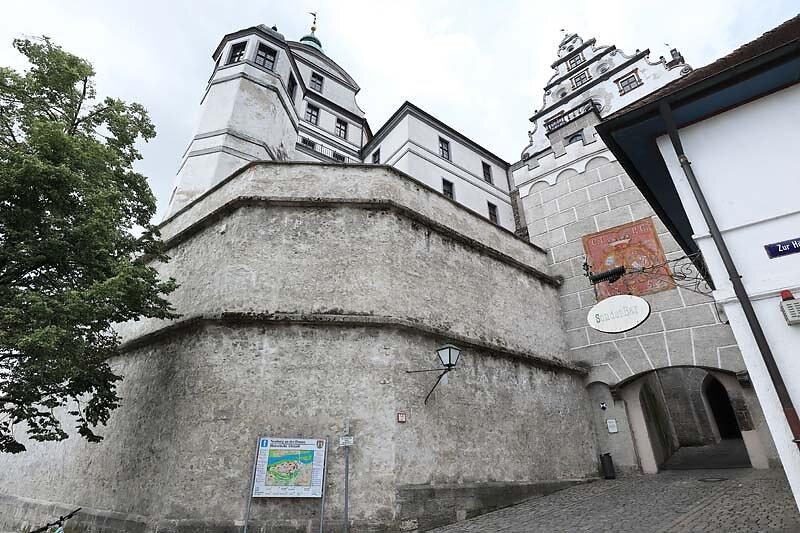 Schloss-Neuburg-20.jpg