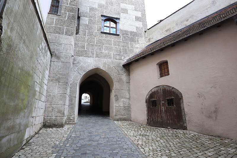 Schloss-Neuburg-21.jpg