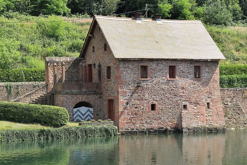 Schloss-Mespelbrunn-9.jpg