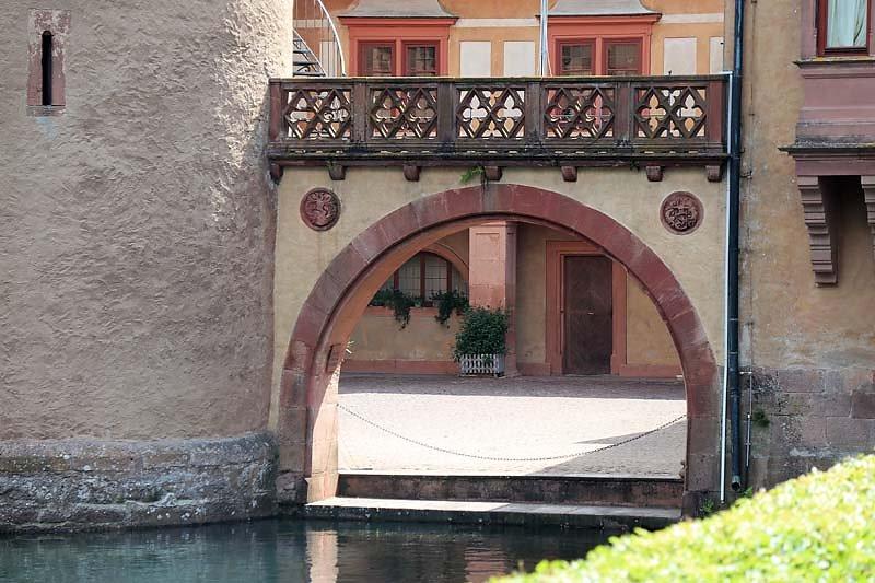 Schloss-Mespelbrunn-12.jpg