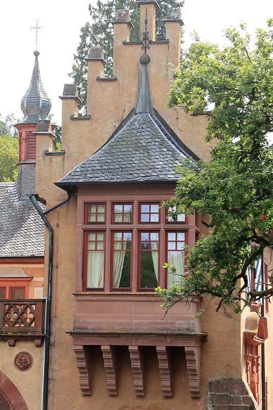 Schloss-Mespelbrunn-19.jpg