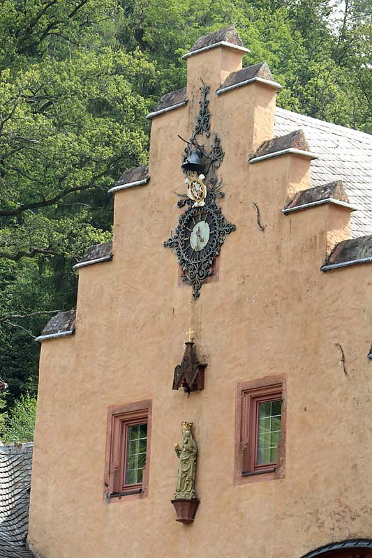 Schloss-Mespelbrunn-20.jpg