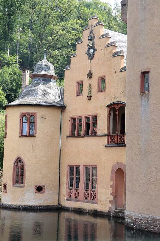 Schloss-Mespelbrunn-23.jpg