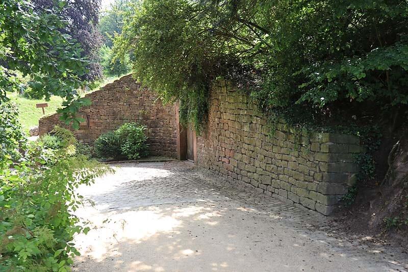 Schloss-Mespelbrunn-26.jpg