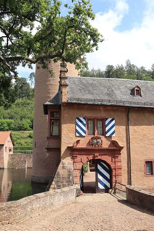 Schloss-Mespelbrunn-28.jpg