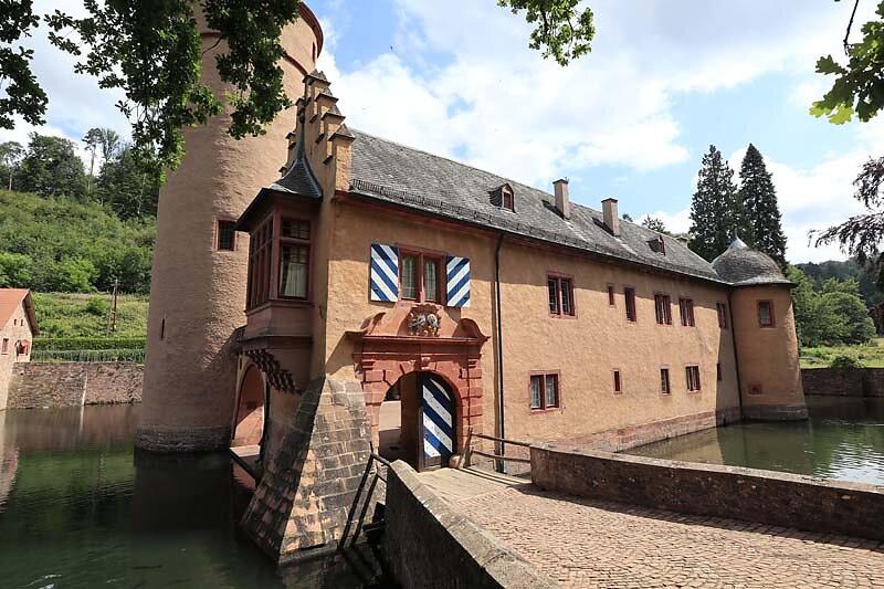 Schloss-Mespelbrunn-32.jpg
