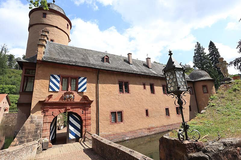 Schloss-Mespelbrunn-34.jpg
