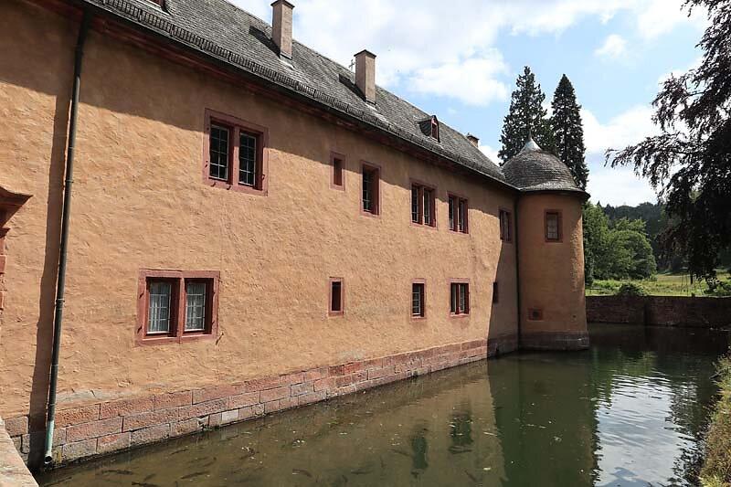 Schloss-Mespelbrunn-36.jpg
