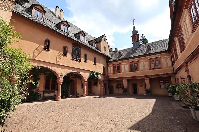 Schloss-Mespelbrunn-39.jpg