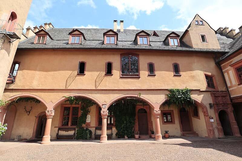 Schloss-Mespelbrunn-40.jpg