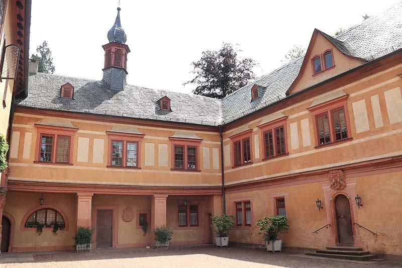 Schloss-Mespelbrunn-121.jpg