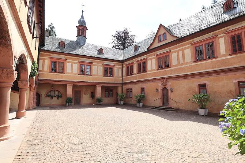 Schloss-Mespelbrunn-122.jpg