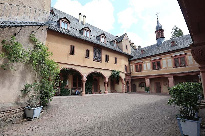 Schloss-Mespelbrunn-126.jpg