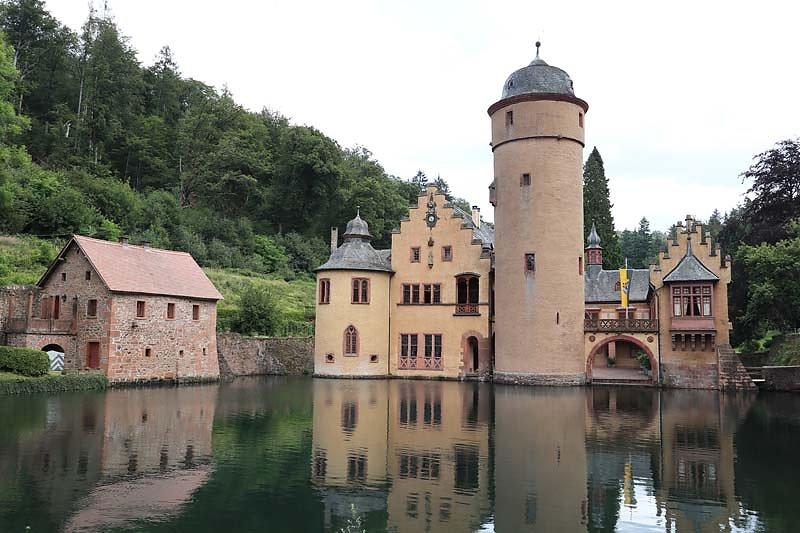 Schloss-Mespelbrunn-133.jpg