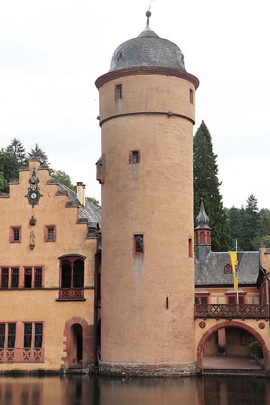 Schloss-Mespelbrunn-152.jpg