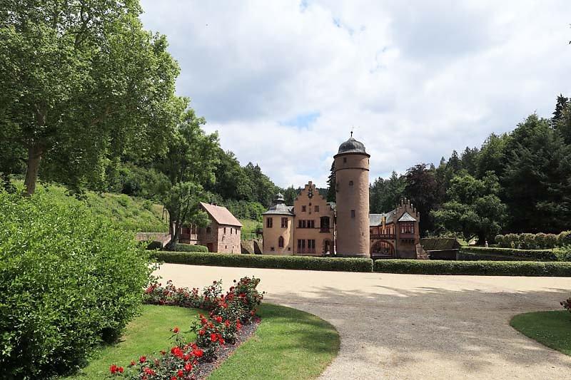 Schloss-Mespelbrunn-160.jpg
