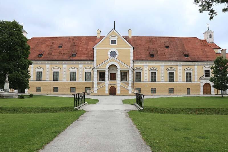 Schloss-Schleissheim-5.jpg